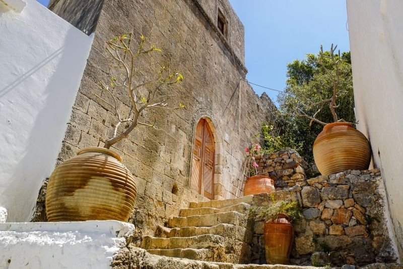 steps with big ceramic pots in Lindos