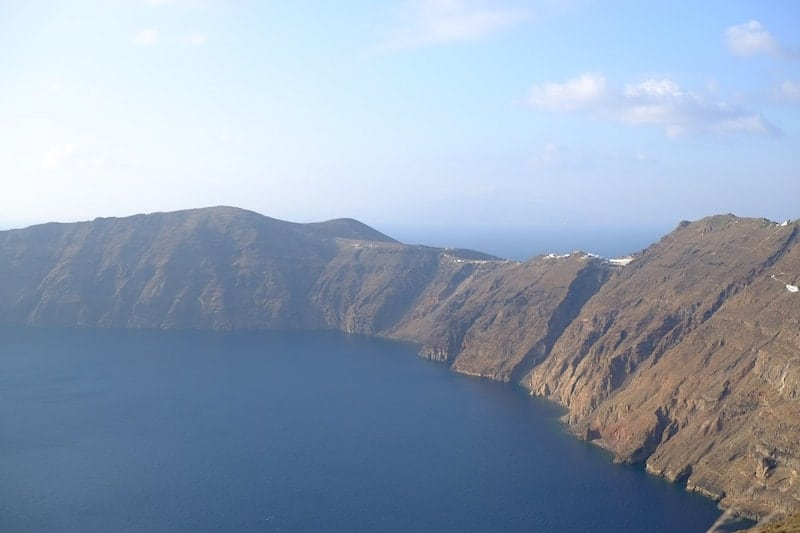 A view of the caldera from Imerovigli round to Oia