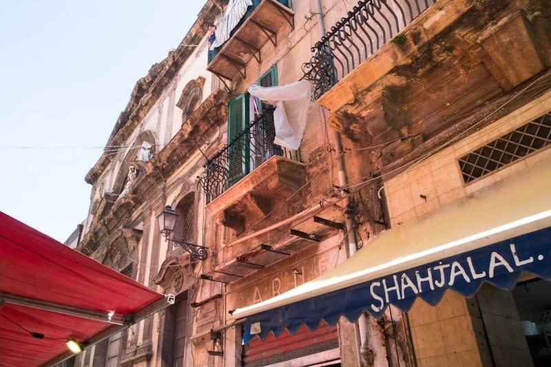 Butchers and old buildings around Mercato del Capo
