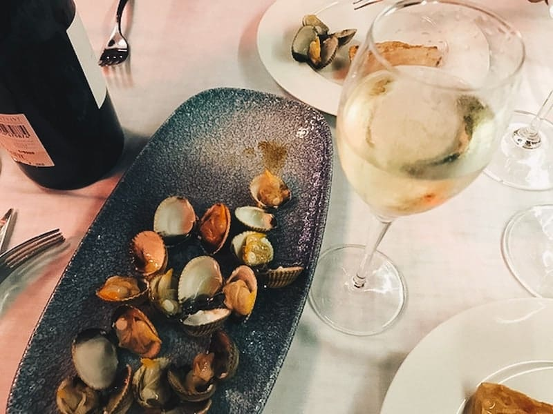 Clams and cava in Barcelona