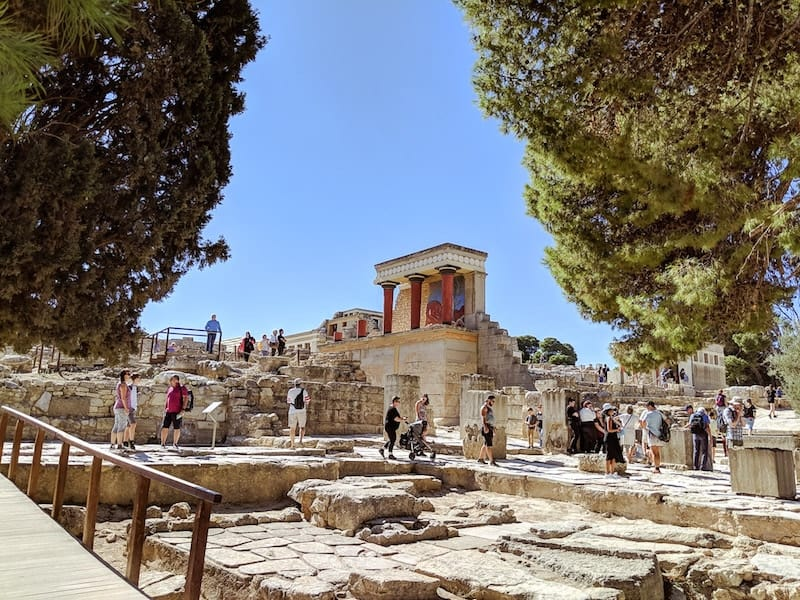 Crowds at the ancient Minoan Palace of Knosses