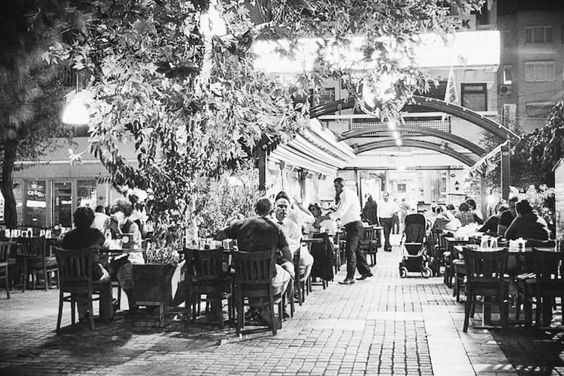Outdoors restaurants in Izmir