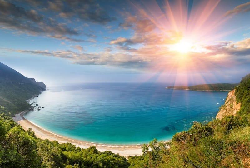 Sun shining on Jaz Beach